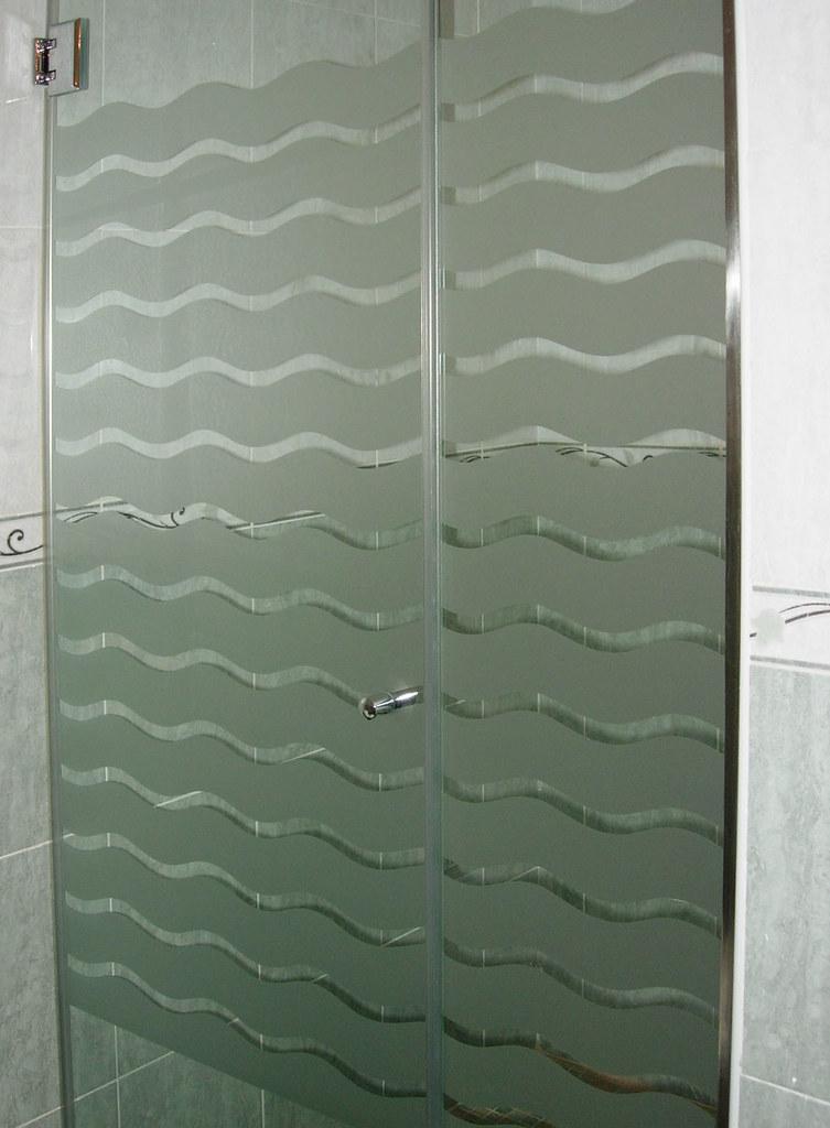 Mamparas de baño con olas  Cristalería Vidreval ofrecemos ...