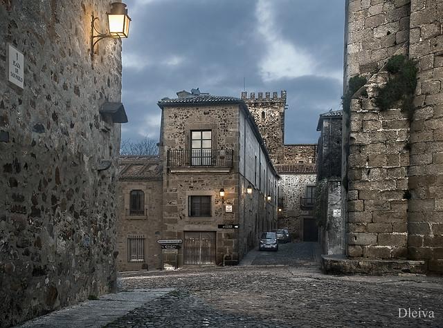 Callejon de las Monjas desde la Plaza de San Pablo (Cácere…  Flickr