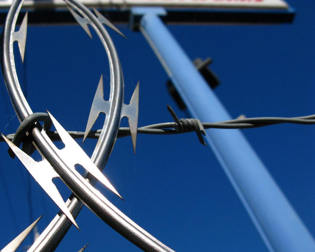 Razor wire vs barbed urban dual
