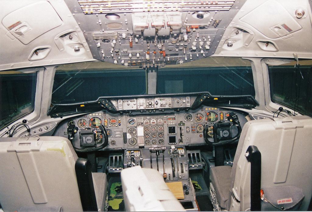 DC10.Cockpit | FedEx DC-10 cockpit; 11/98 IAD | Brian | Flickr