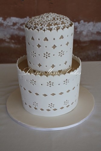 Broderie Anglaise | by Louisa Morris Cakes
