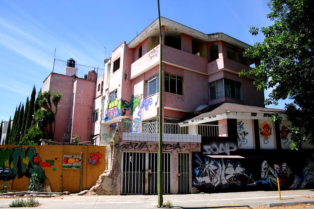 La casa de los graffitis y los dibujos de papel xinika - La casa de la manpara ...