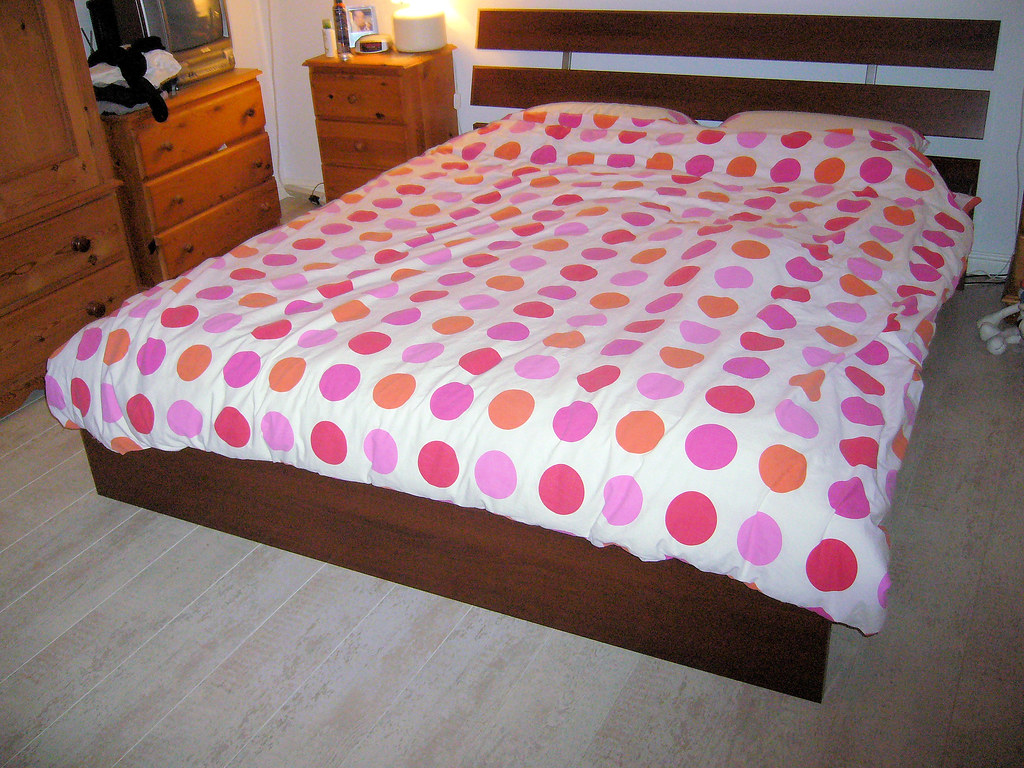 Double Bed With Tv Storage