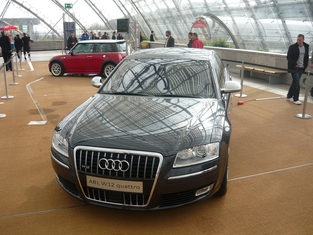 Transporter 3 car   Audi A8 V12 quatro - luxus ...