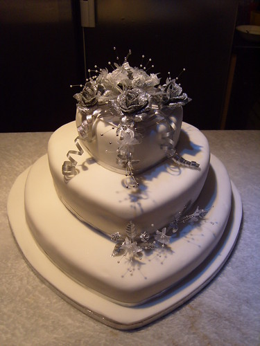 heart wedding cakes silver and white shaped wedding cake flickr 15179