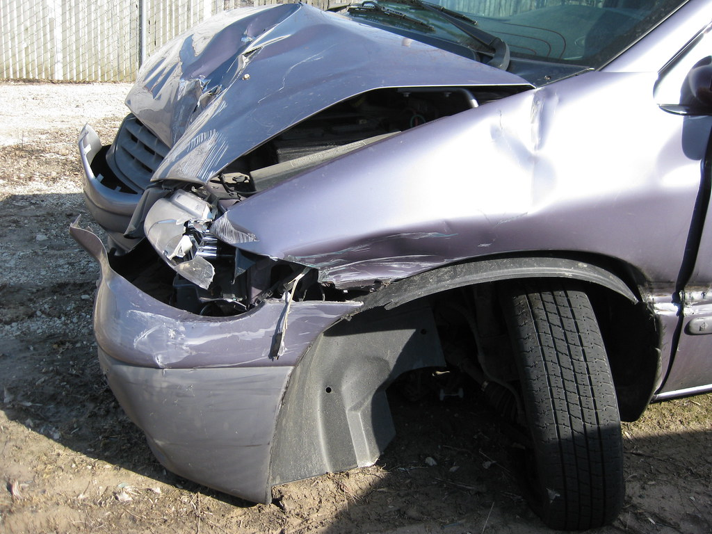 car accident those suspension parts are messed up chad davis flickr. Black Bedroom Furniture Sets. Home Design Ideas