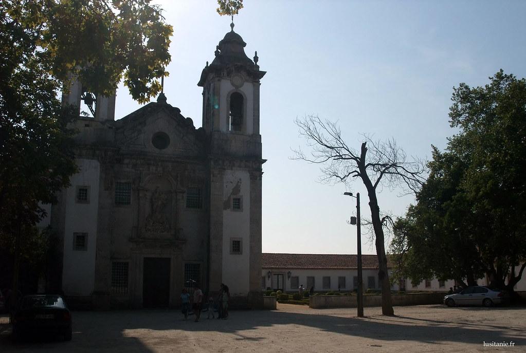 Cette chapelle, la Capela da Nossa Senhora da Penha de França, est antérieure à l'usine, et est l'un des nombreux trésors de Vista Alegre
