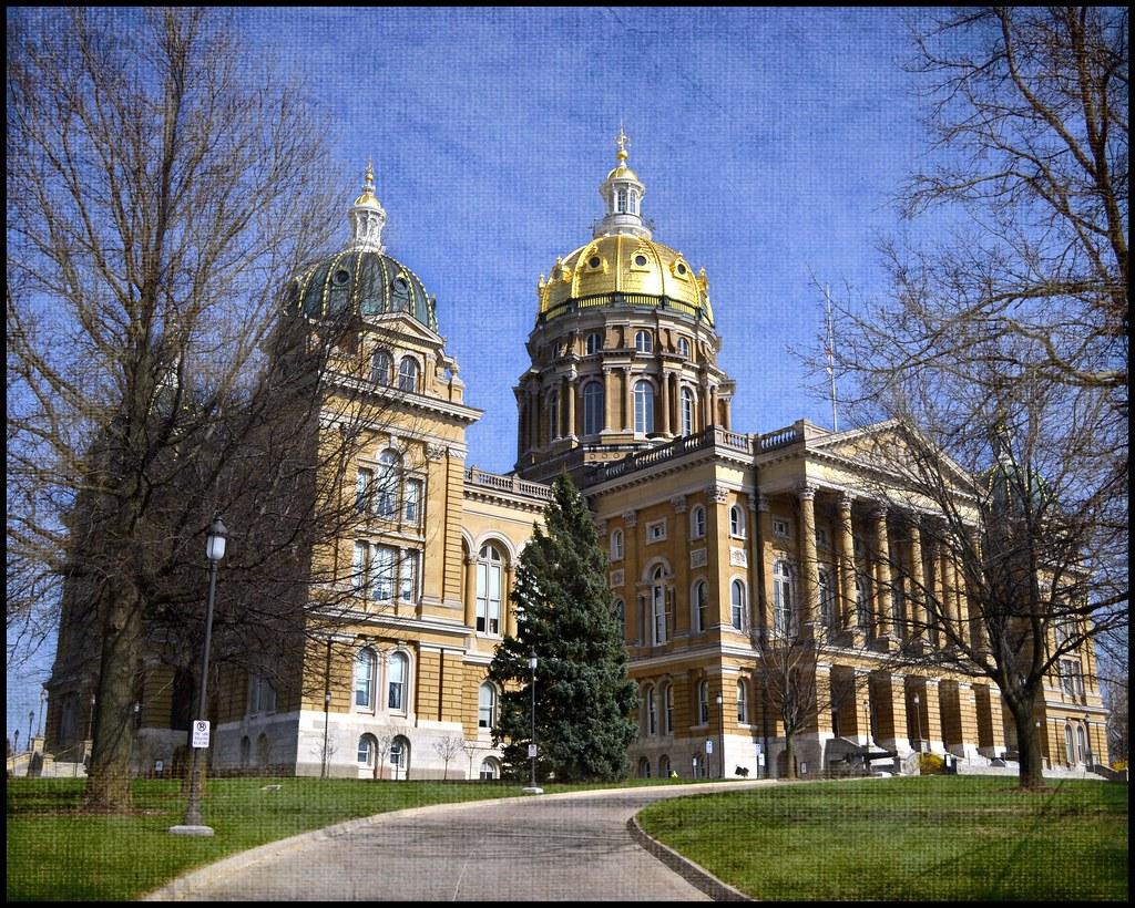 Iowa State Capitol Building Des Moines Iowa The Iowa