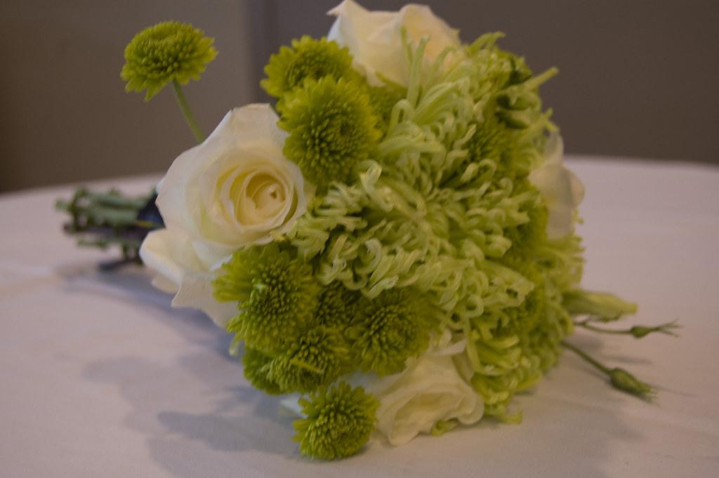 Bridesmaid bouquet Kermit mums green spider