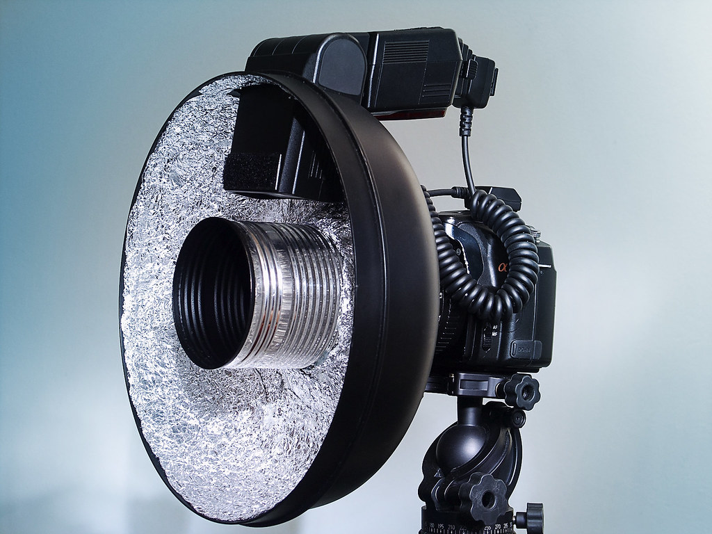 DIY Ring Flash   A ring flash is such a popular and easy ...
