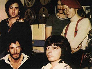 Mike Garson With Bruce Springsteen Tony Visconti And Davi