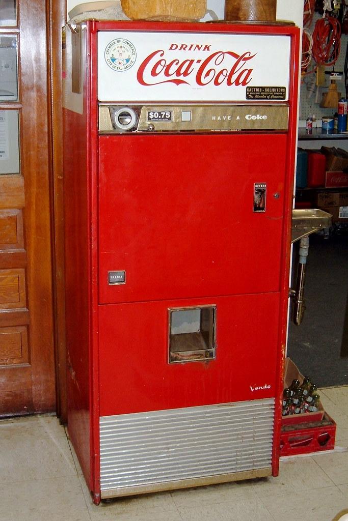 Antique Coke Machine | This coke machine is still