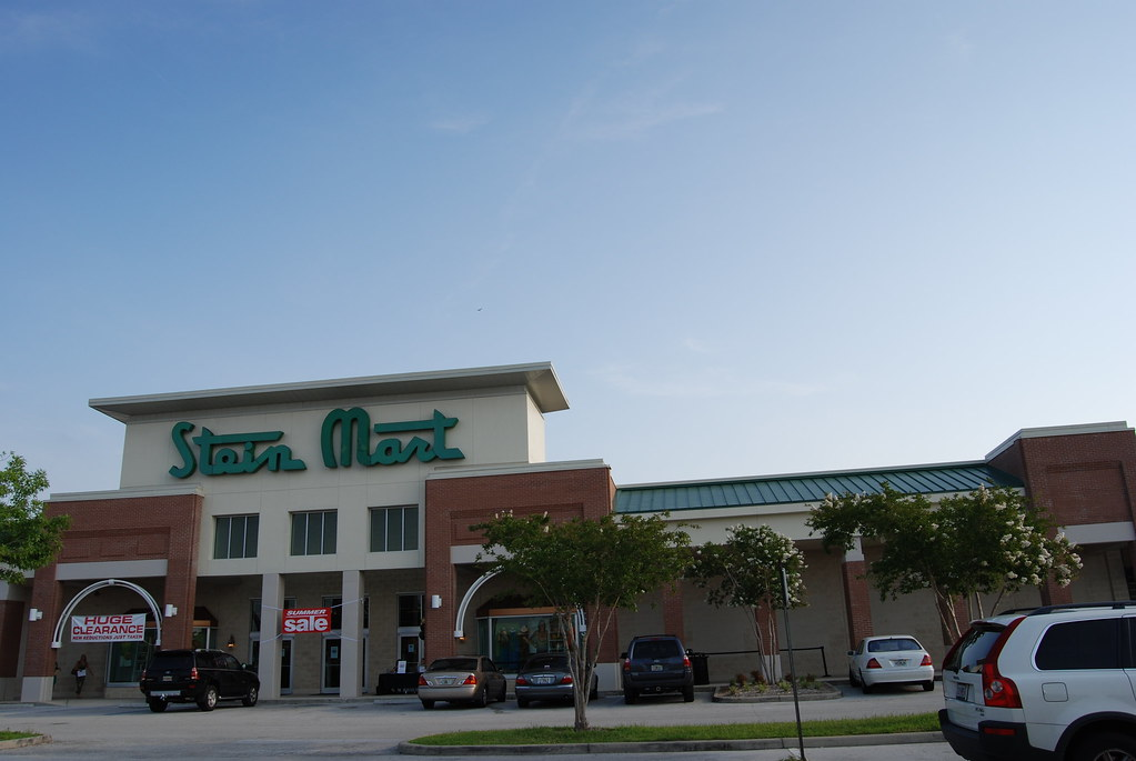 Find Stein Mart hours and locations near you. What are the store hours today? Where is the closest location near me? When do they open and close? What are their hours of operation on holidays and Sundays? Use our store locator to find Stein Mart store locations near you.