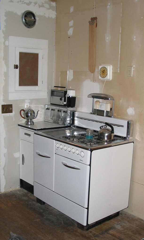 New Cabinet Next To Stove 1948 Anderson My Kitchen