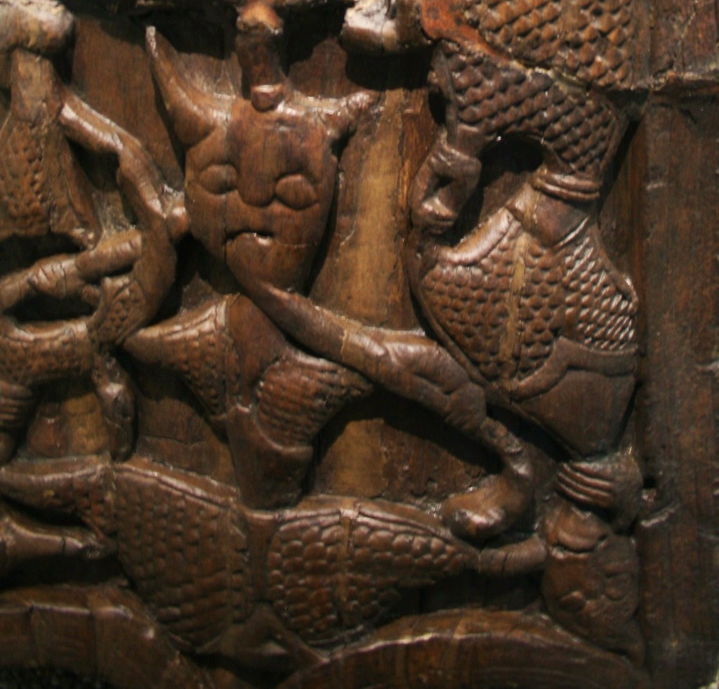 Woodcarved Figures From Oseberg Iron Age Mound Grave, Norw -2178