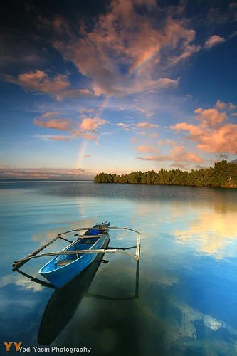 The boat, the sea, the sky and the rainbow | by yadiyasin