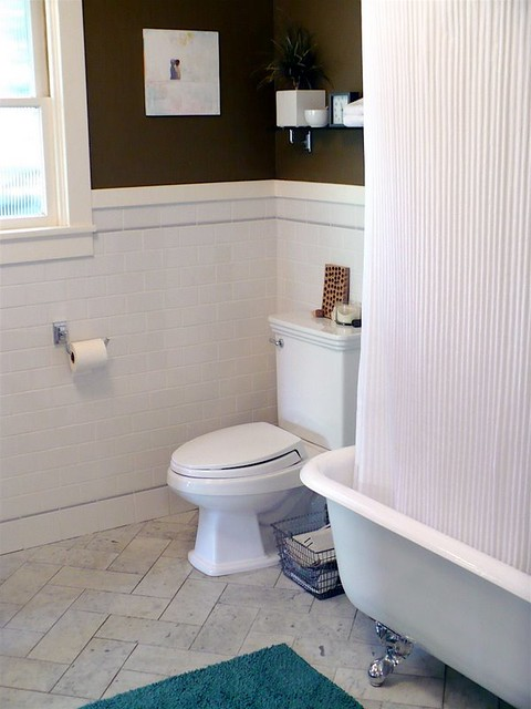 Blue Gray And Chocolate Brown Bathroom: [Real Homes] Chocolate Brown Bathroom: 'Saddle Soap' By Be