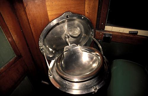 zim lavabo pliant interieur victorien d 39 un ancie flickr. Black Bedroom Furniture Sets. Home Design Ideas