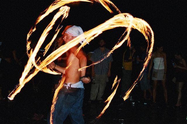 Вечеринка на Пангане, фото с http://www.flickr.com/photos/westby202/3305160331/