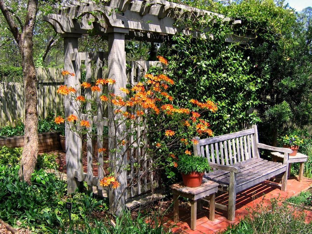 Уютные уголки сада своими руками