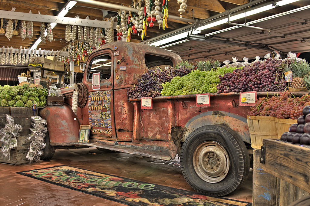 Casa De Fruit Truck This Old Truck Is Parked Inside The