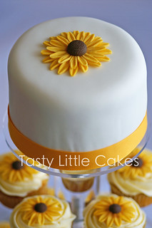 Sunflower Cupcakes & top tier cake | by tastylittlecakes (Karen)