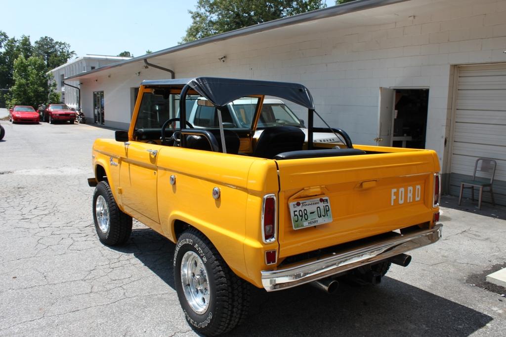 Car Tunes Atlanta: Ford Bronco Audio System
