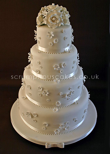 wedding cake with flowers on the side wedding cake 483 white flowers amp sugar bouquet flickr 26884