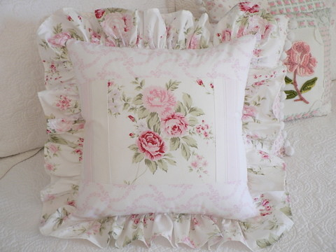 Shabby Chic Cottage Pillows : Wildflower and Ribbons & Roses Rachel Ashwell Shabby chic ? Flickr