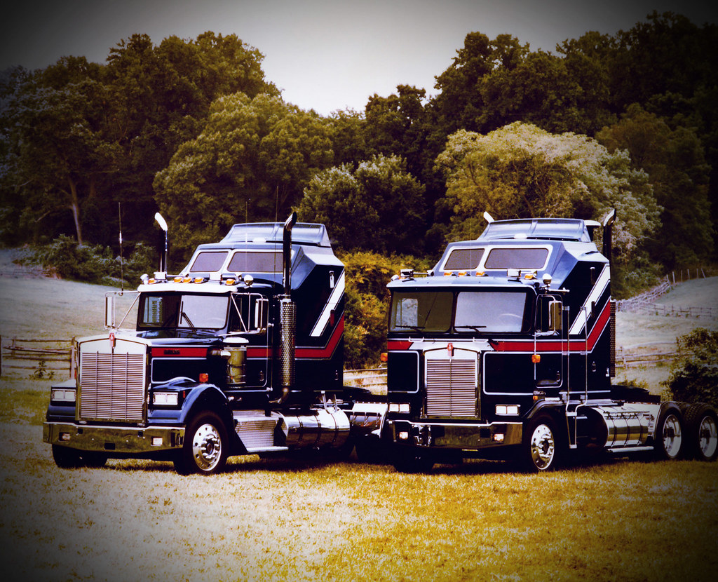 1985 Liberty Edition Kenworth W900l And K100 1985