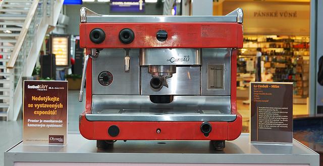 Pump: This machine has bar pump which