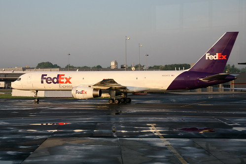 FedEx Express | by cliff1066™
