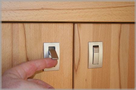 eingelassene m belgriffe an schrankt ren aus kernbuche flickr. Black Bedroom Furniture Sets. Home Design Ideas