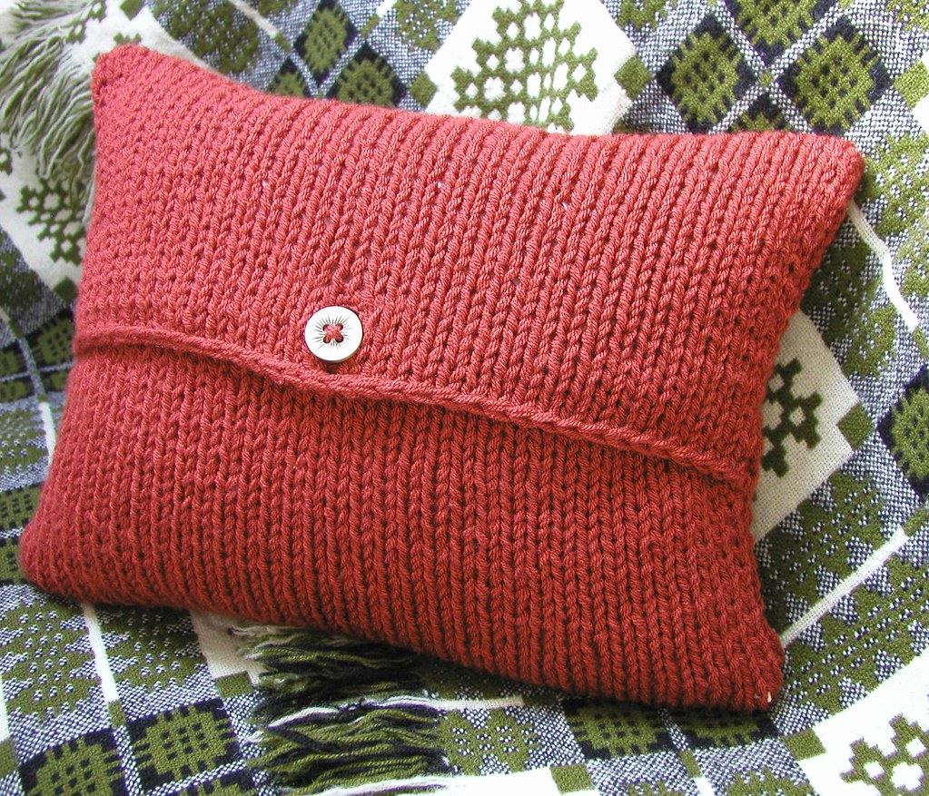 envelope cushion cover knitting pattern this is. Black Bedroom Furniture Sets. Home Design Ideas