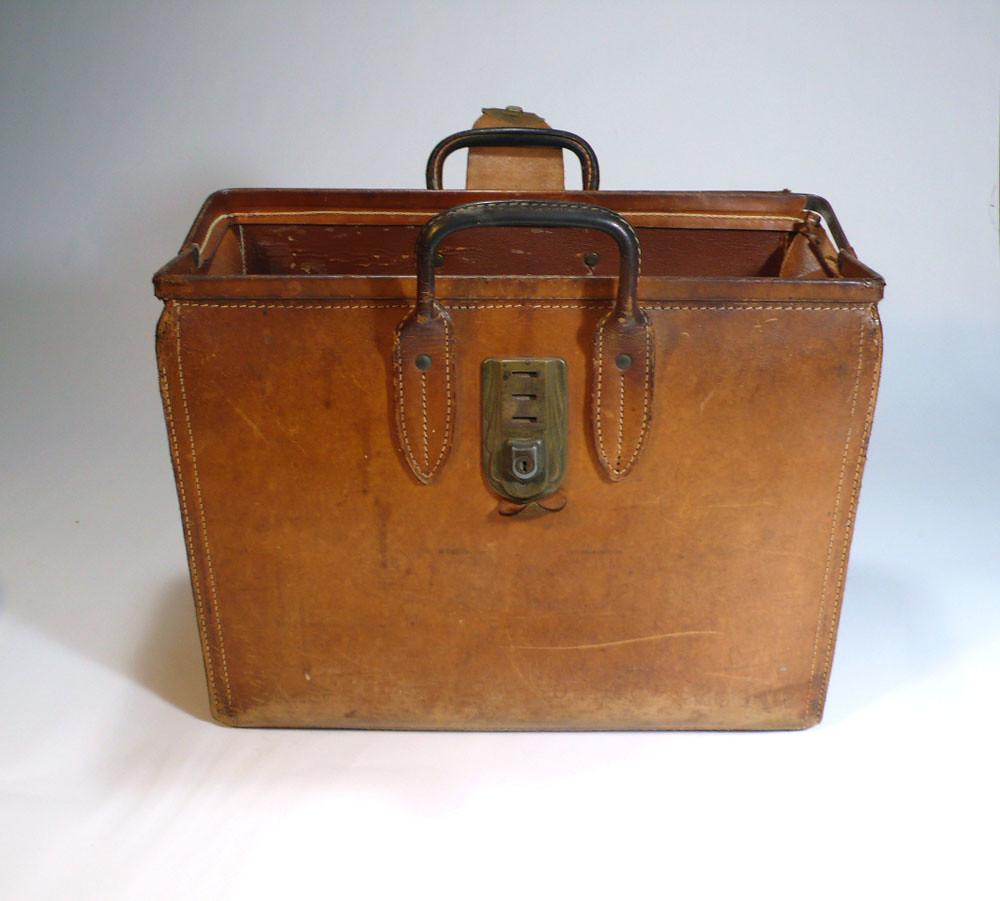 Vintage Oversized Doctors Leather Case Tote Bag Magazine