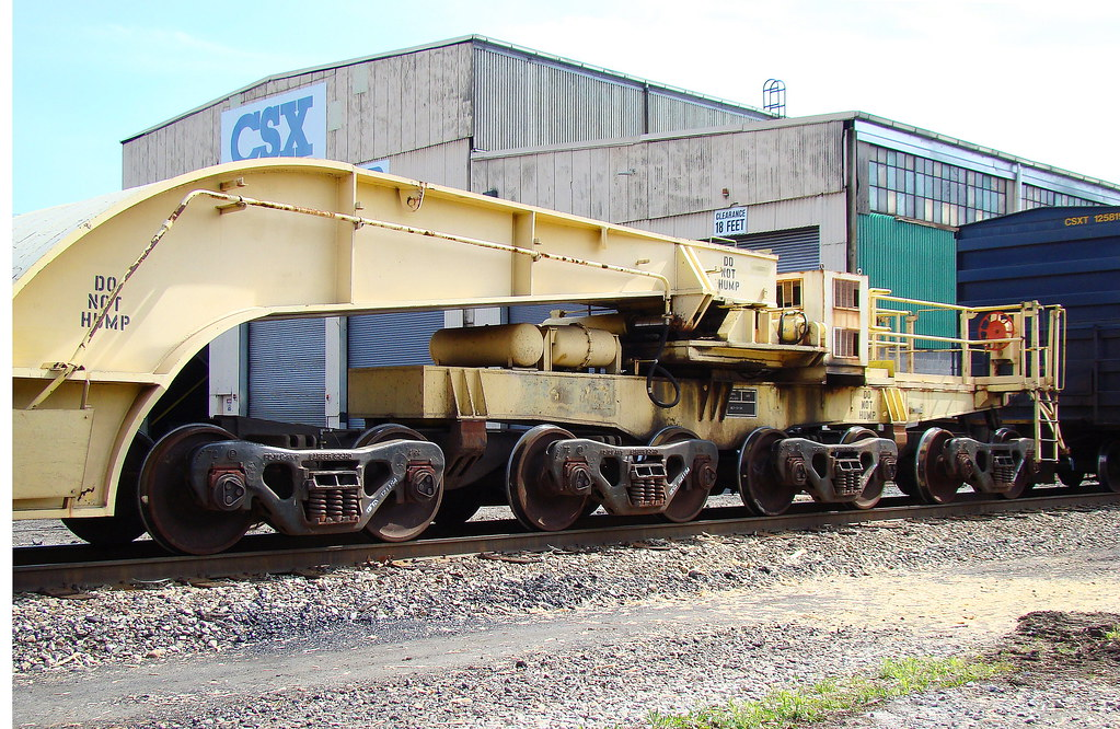 Gegx 21154 Depressed Center Flat Car Showing Trucks And
