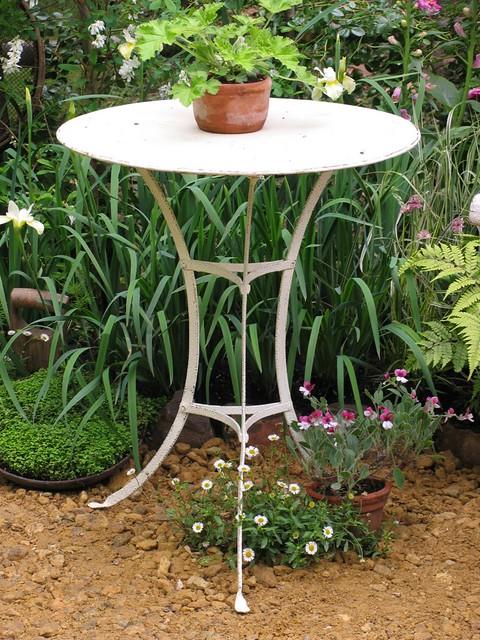 Garden Antiques Decorative Arts
