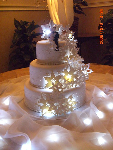 wedding cake lights light up snowflake cake flickr photo 23086