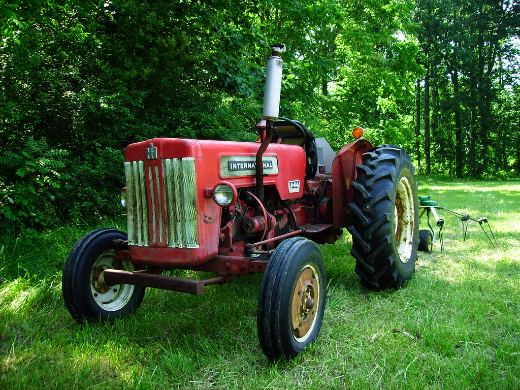 International B414 Parts : B international tractor and tedder baileyusa flickr
