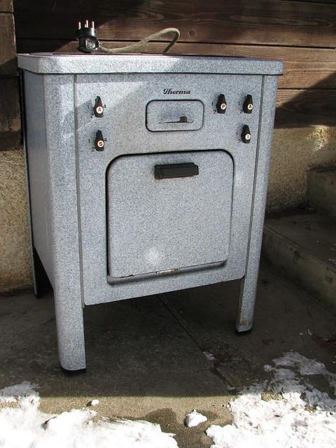 vieille cuisini re en fonte donner a donner elle fon. Black Bedroom Furniture Sets. Home Design Ideas