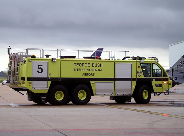 Houston Intercontinental Airport Arff Fire Truck Ar5 Flickr