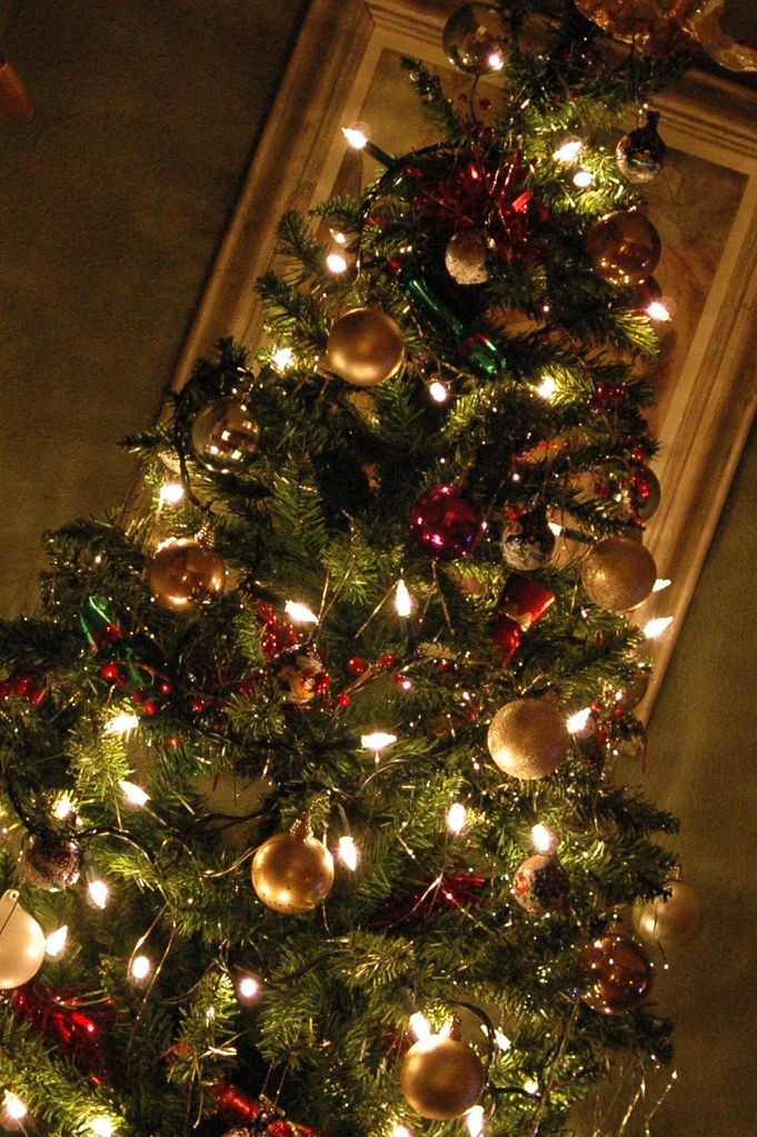 Gold Christmas Tree Decorating Ideas