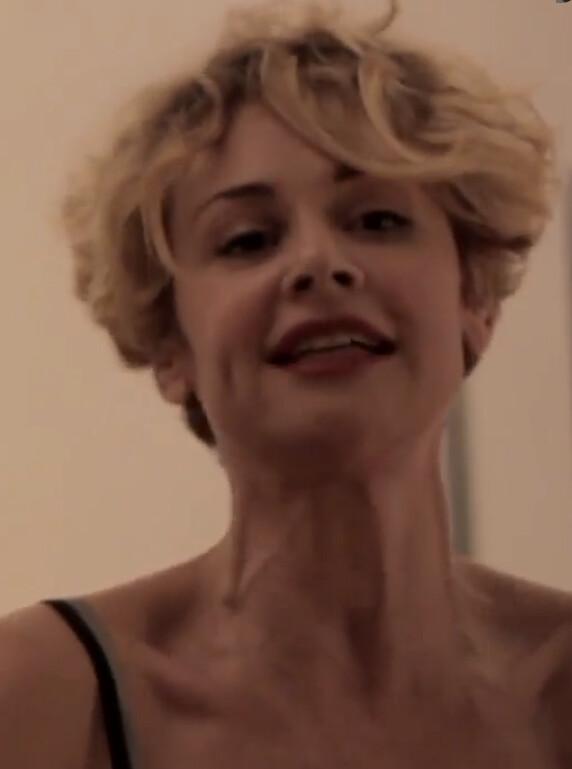 Lesbain bondage blonde