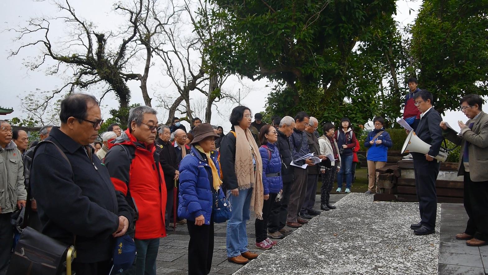 「春祭」中參與者悼念政治受難者。(攝影:史學勤)