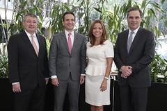 Rafael Barraza, presidente de Banco Agrícola; Juan Carlos Mora, presidente de Bancolombia; Aimeé Sentmat, presidenta de Banitsmo y Christian Schneider, director ejecutivo y gerente y general de BAM.