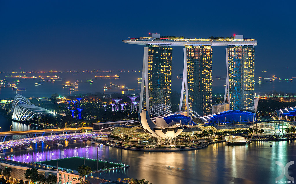 Marina Bay Sands The Iconic Marina Bay Sands Hotel With