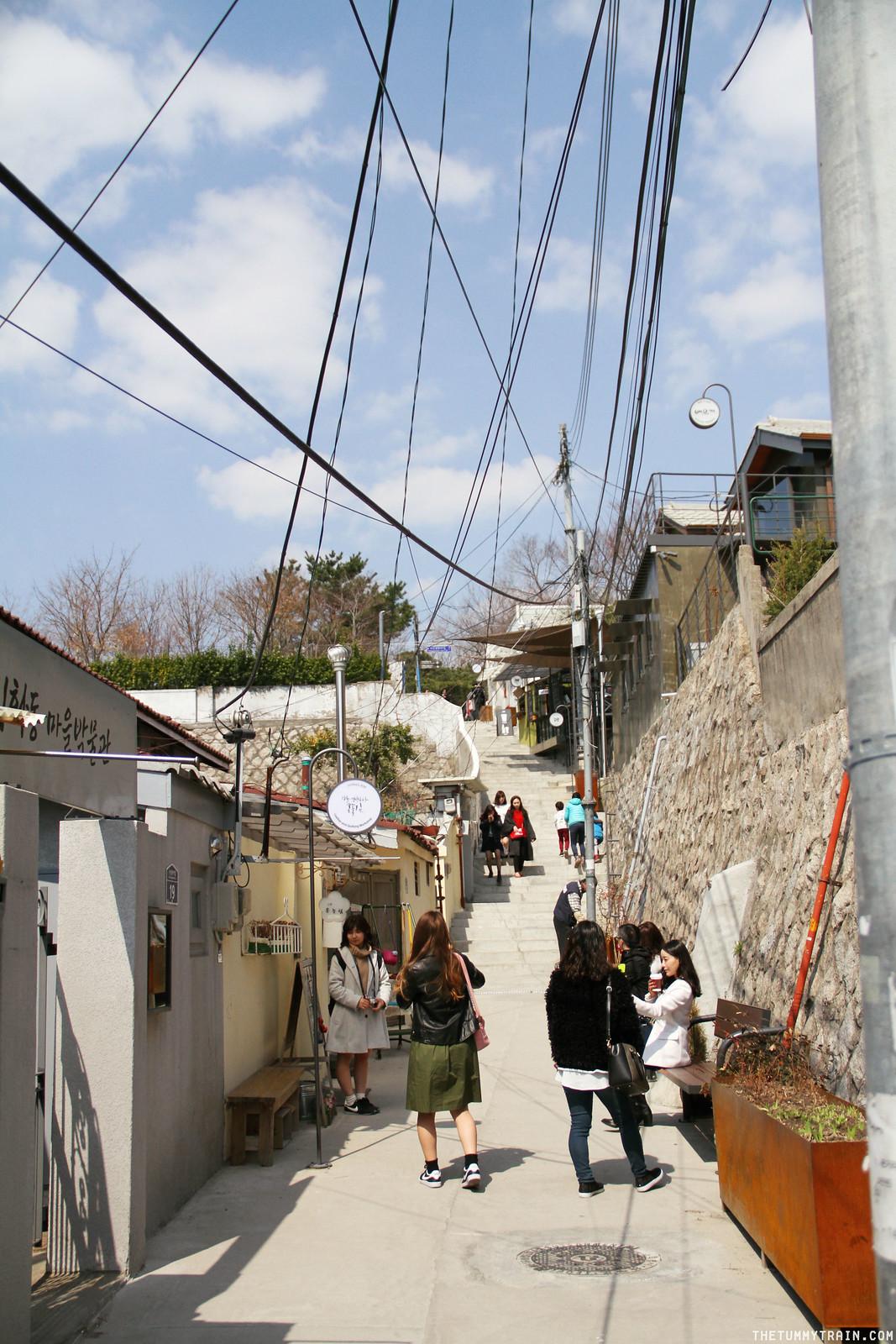 32782172164 c31684937e h - Seoul-ful Spring 2016: A mini exploration of Ihwa Mural Village