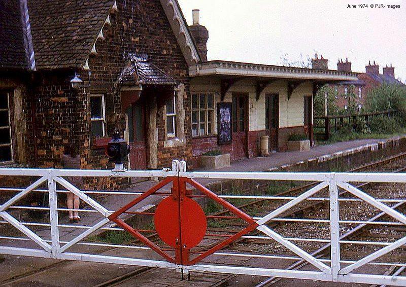 117 Steeple Claydon Station 1974 The Station