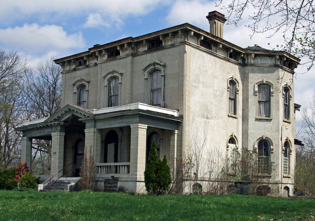 Dayton oh haunted mansion this abandoned mansion in for Ohio homebuilders