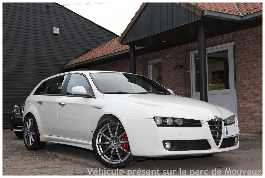alfa romeo 159 sw 2 0 jtdm 170 ti 04 2010 klm. Black Bedroom Furniture Sets. Home Design Ideas